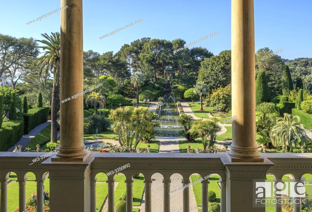 Stock Photo: France, Alpes Maritimes, Saint Jean Cap Ferrat, villa and gardens Ephrussi de Rothschild, view on the French garden from the villa balcony (obligatory mention.