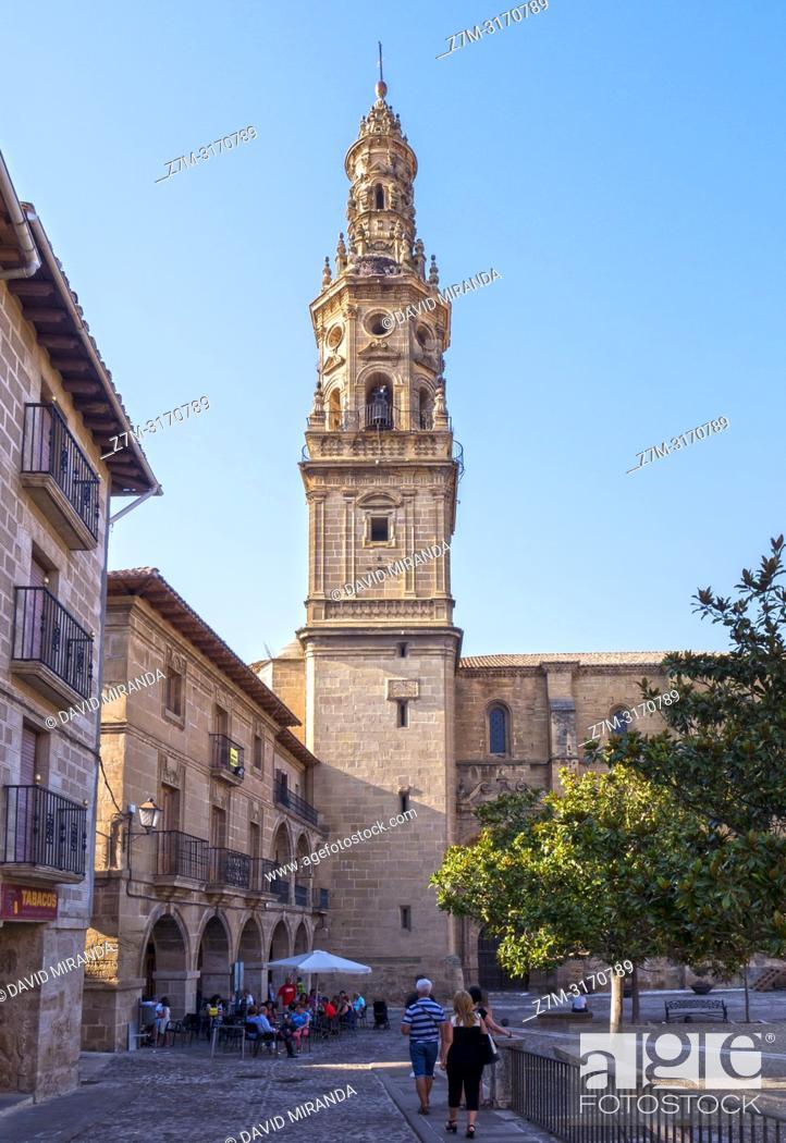 Stock Photo: Plaza e iglesia de Santa María de la Asunción. Briones. La Rioja. Spain.