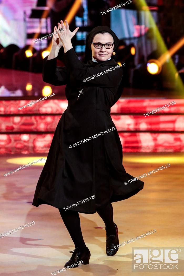 Imagen: Sister Cristina during the performance at the tv show Ballando con le stelle (Dancing with the stars) Rome, ITALY-27-04-2019.