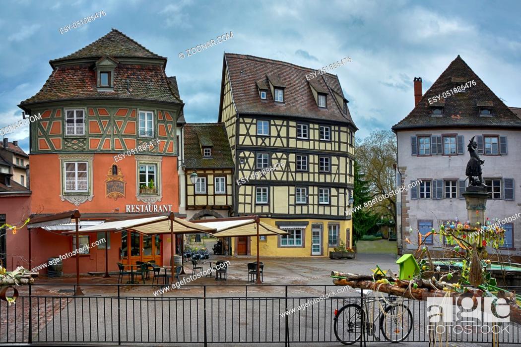 Photo de stock: Historische Gebaeude in der Innenstadt der elsaessischen Stadt Colmar in Frankreich.
