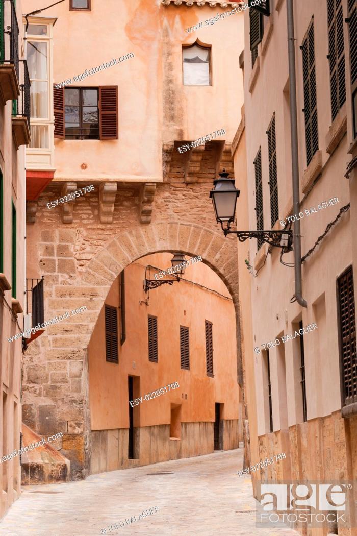 Stock Photo: arco de la almudaina, gótico, Calle de la Almudaina, Majorca, Balearic Islands, Spain.
