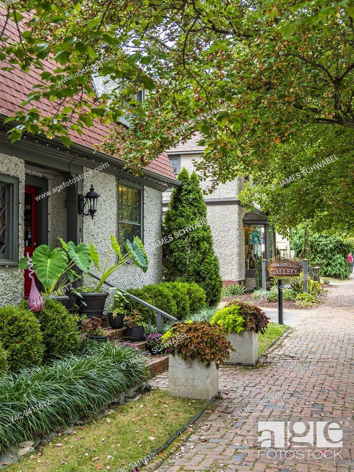 Imagen: Historic Biltmore Village in Asheville North Carolina in the United States.