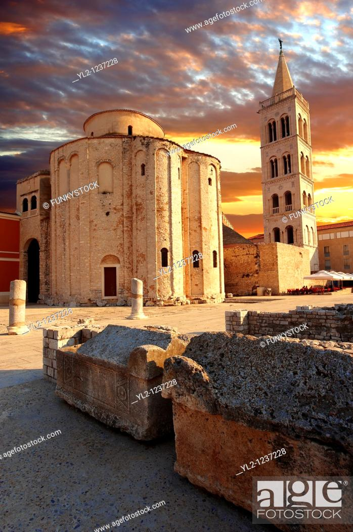 Stock Photo: The The pre-Romanesque Byzantine St Donat's Church & the campanile bell tower of the St Anastasia Cathedral, Zadar, Croatia.