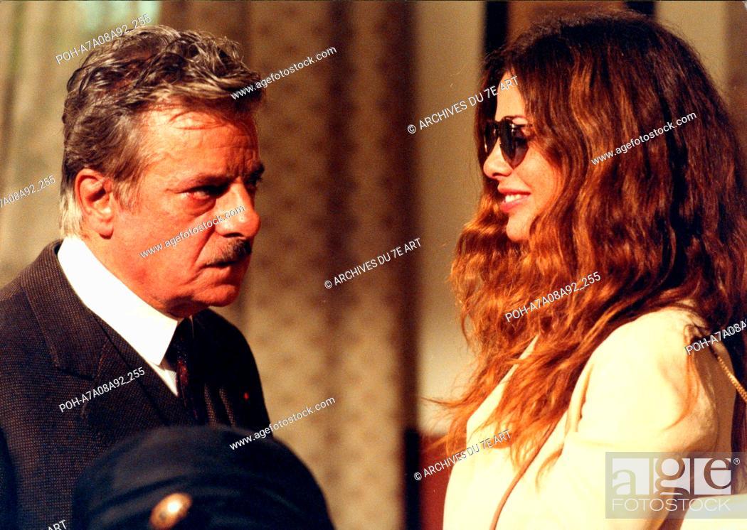 Stock Photo: Un coeur ailleurs Cuore altrove, Il  Year: 2003 - Italy Giancarlo Giannini, Vanessa Incontrada  Director: Pupi Avati Italie 2003.