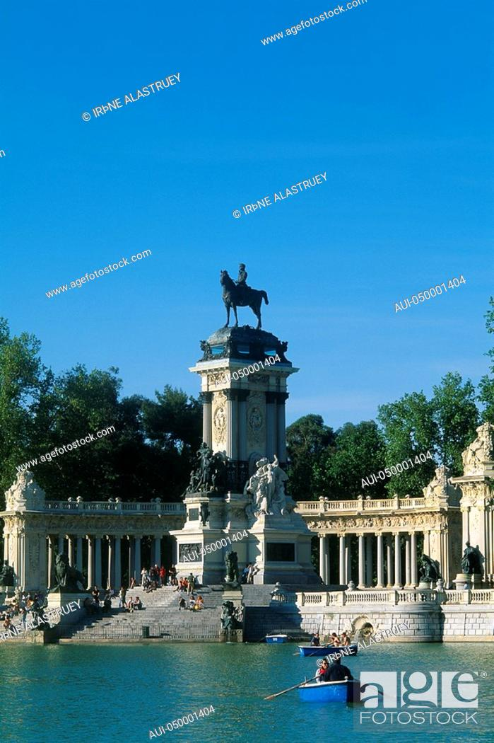 Stock Photo: Spain - Madrid - Retiro Park - artificial - lake - Alphonso XII Monument.
