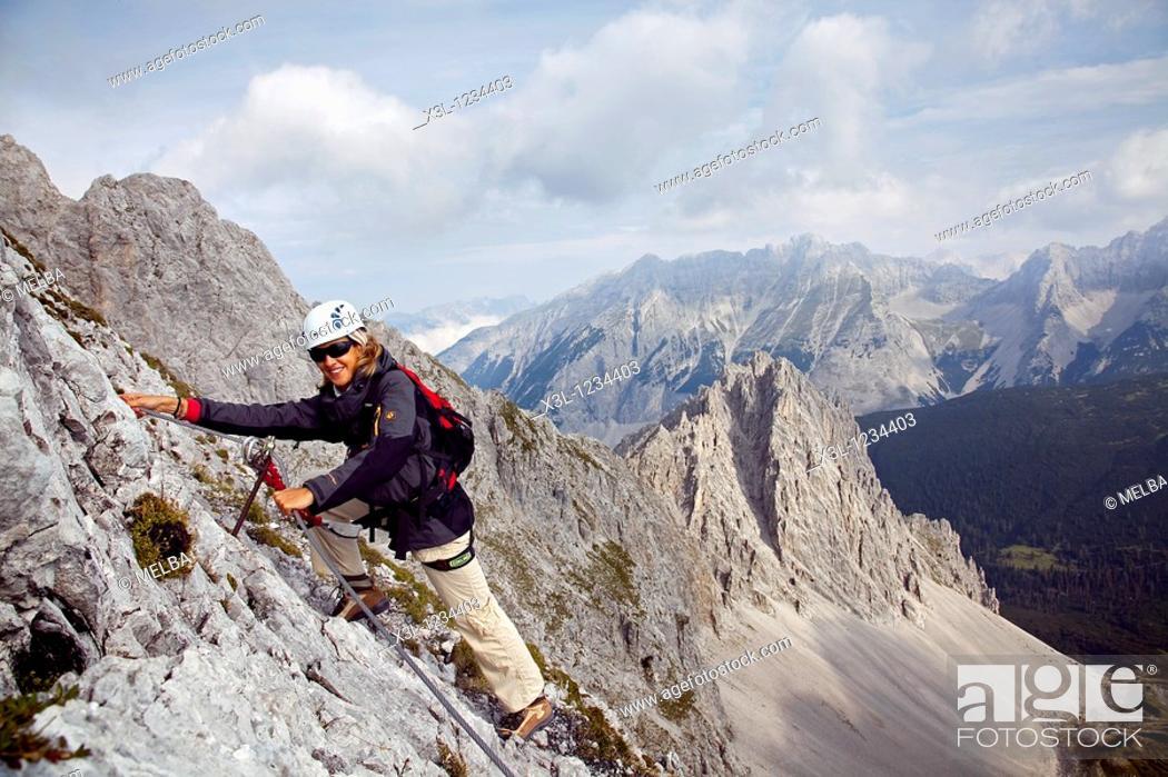 Stock Photo: Climbers, Innsbrucker Klettersteig via ferrata, Karwendelgebirge mountains, Innsbruck, Tyrol, Austria, Europe.