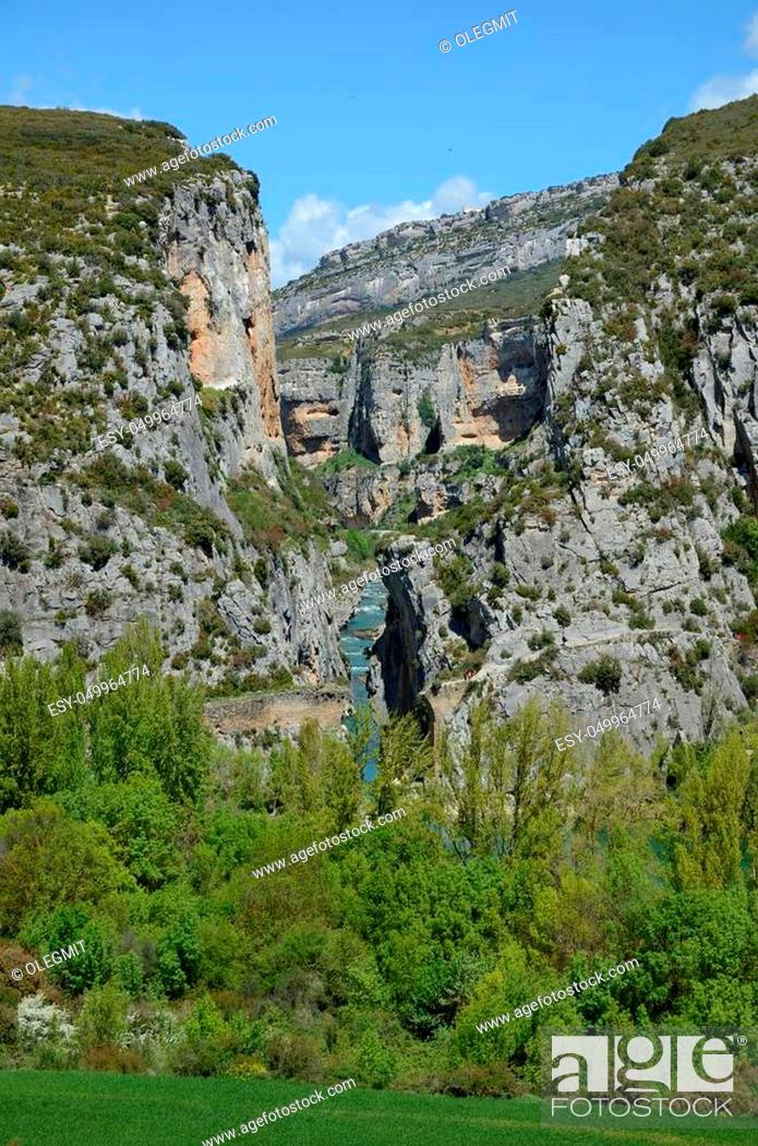 Stock Photo: The deep gorge of Lumbier was created by the river Irati in the foothills of the Sierra de Leire.