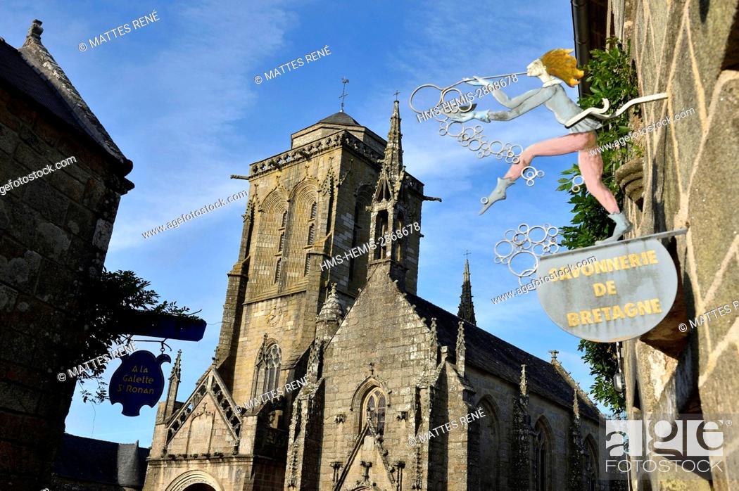 Stock Photo: France, Finistere, Locronan, labelled Les plus Beaux Villages de France (The Most Beautiful Villages of France), Saint Ronan church.