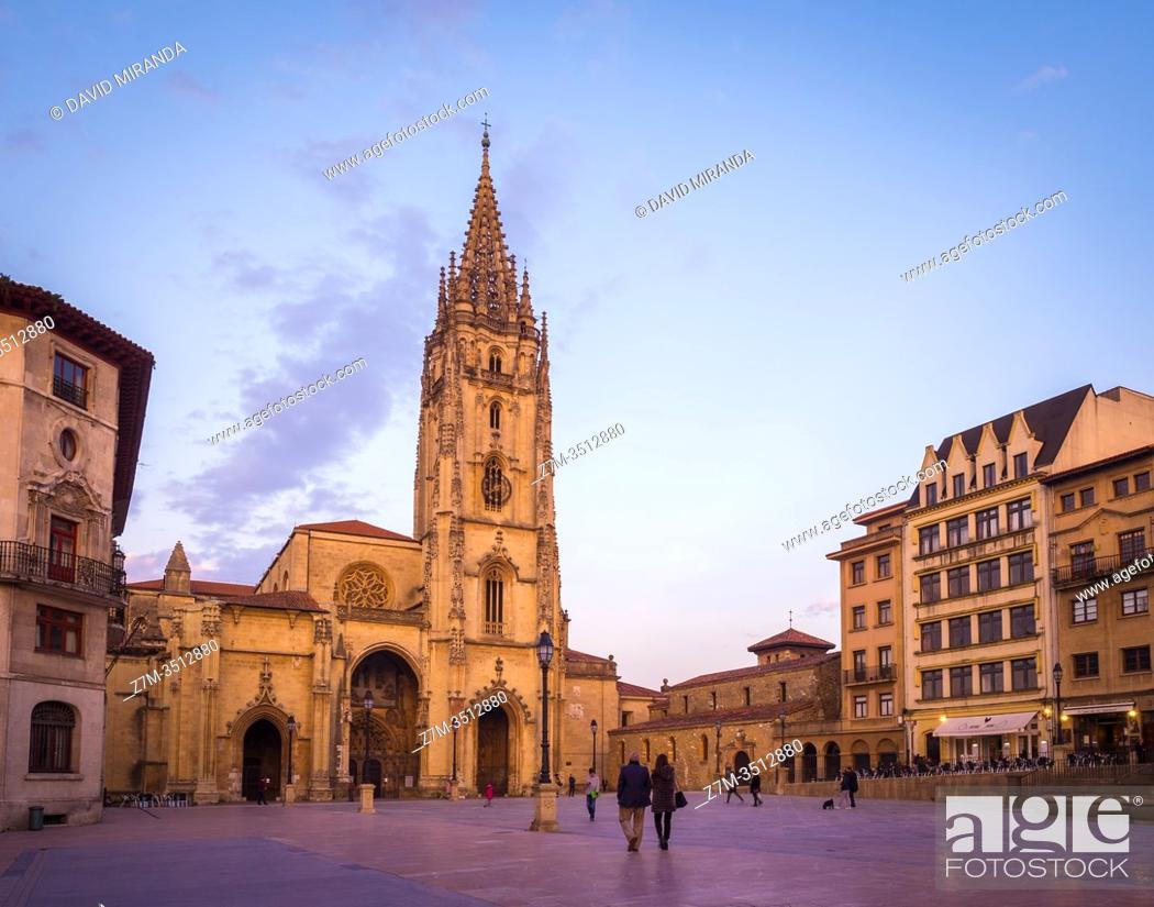 Imagen: Catedral de San Salvador de Oviedo. Asturias. España.