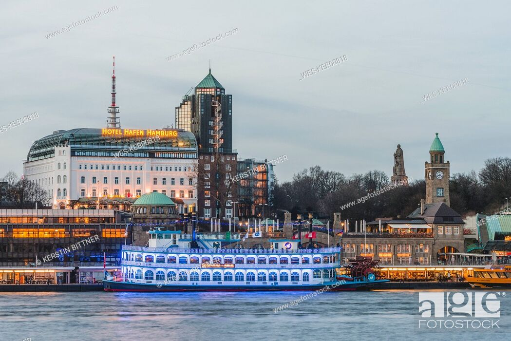 Stock Photo: Germany, Hamburg, Bornsteinplatz, View over Elbe river to St. Pauli Landing Stages in the evening.