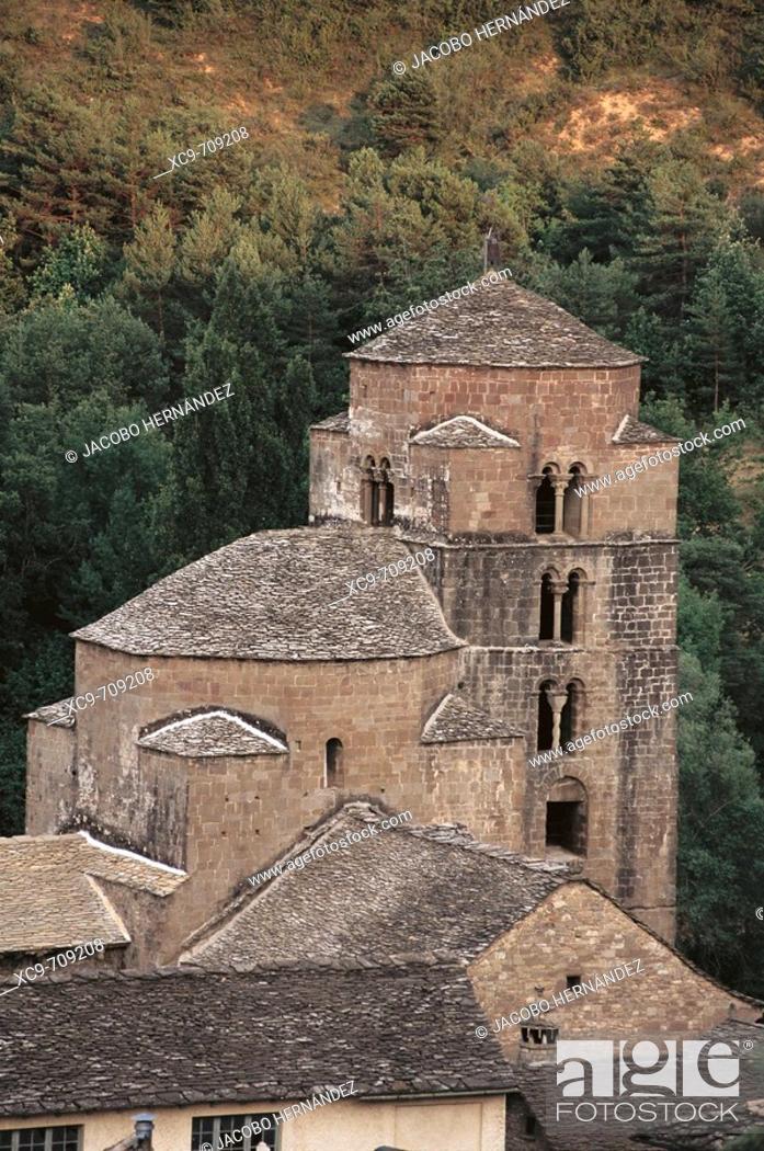 Photo de stock: Iglesia de Santa María.Santa cruz de la Serós.Arquitectura románica S.XI y XII.Huesca.Aragón.España.