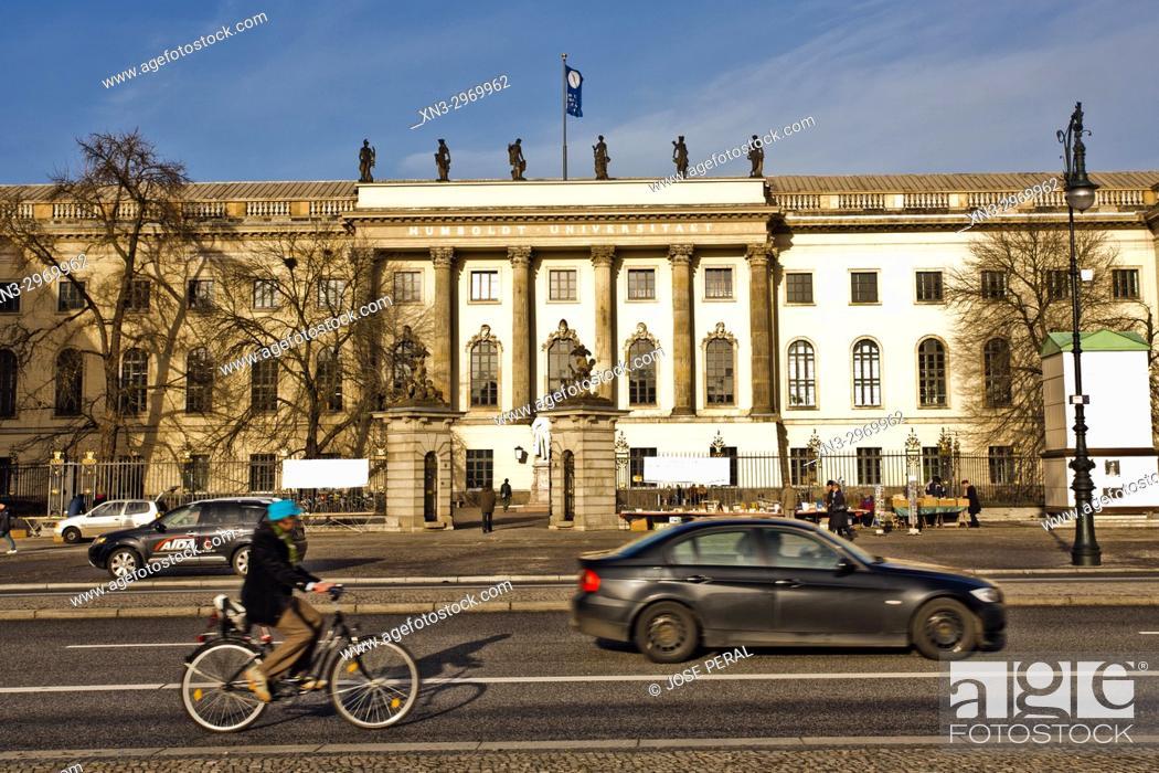 Imagen: The main building of Humboldt University, located in Berlin's Mitte district, Unter den Linden boulevard, Berlin, Germany.