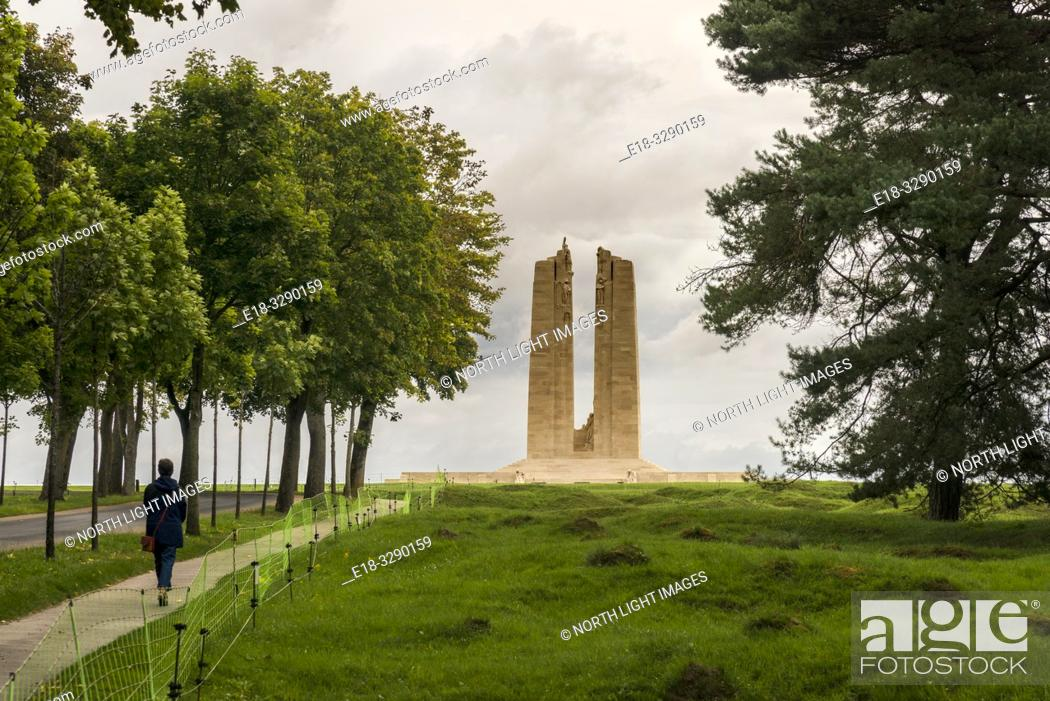 Photo de stock: France, Arras, Vimy Ridge Memorial. World War I memorial site dedicated to the memory of Canadian Expeditionary Force members killed during the First World War.