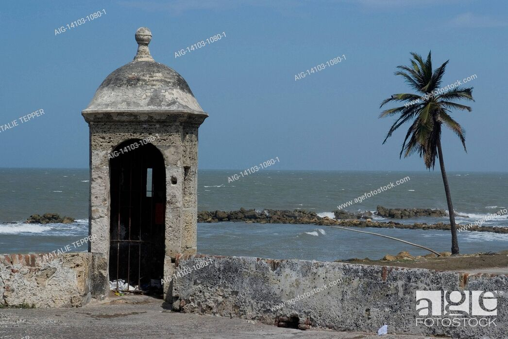 Stock Photo: Fortified city wall overlooking the Caribbean Sea, Cartagena (de Indias), Colombia.