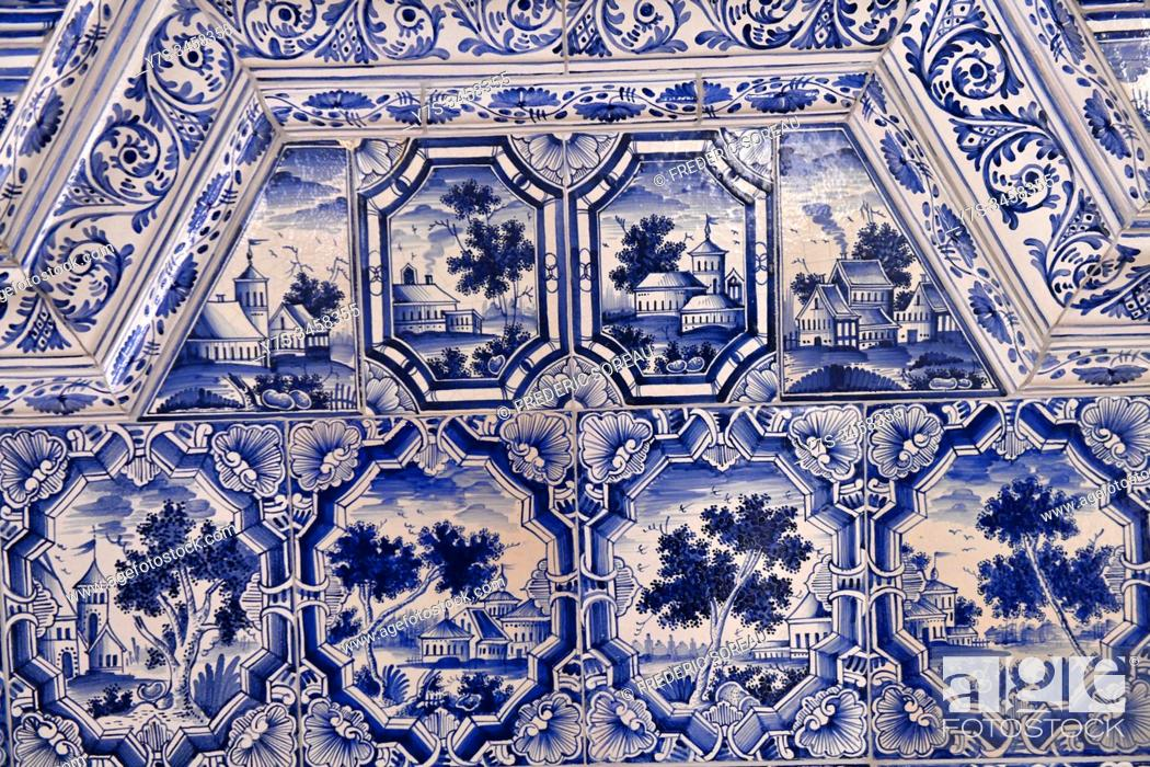 Stock Photo: A ceramic tiled stove inside a room, Catherine Palace, Tsarskoye Selo, Pushkin, St. Petersburg, Russia.