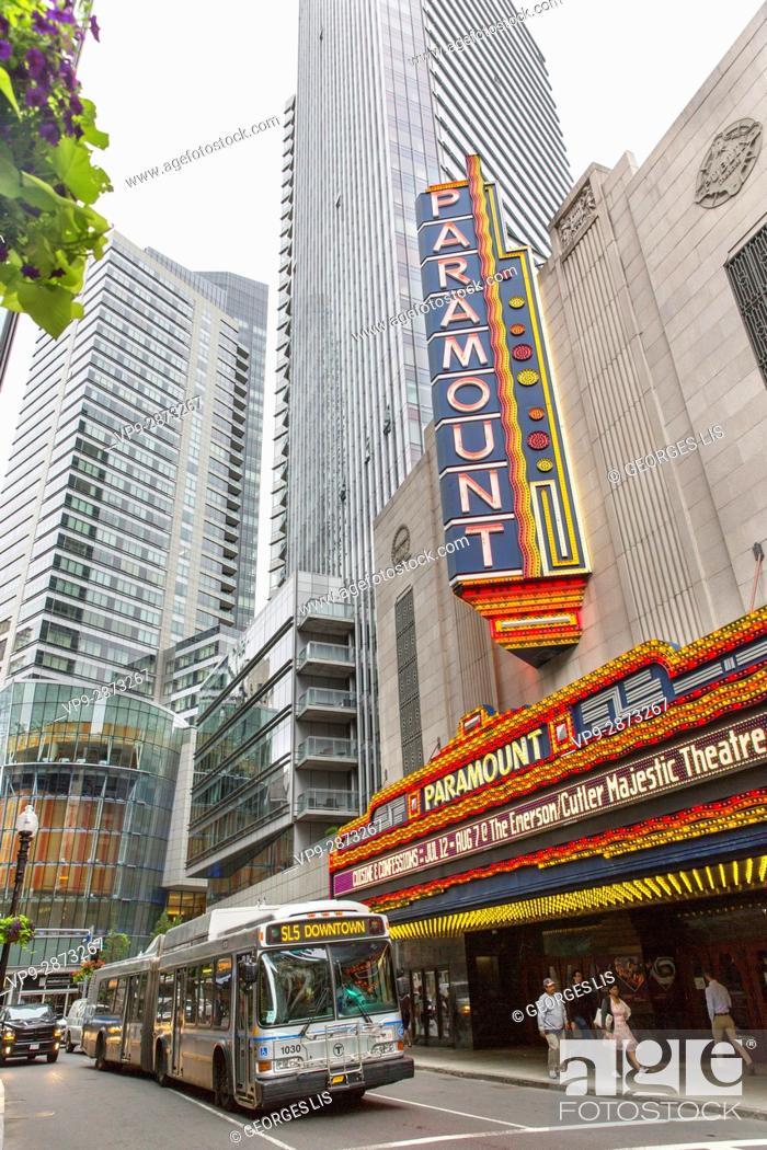 Imagen: Paramount theater Washington street bus MBTA Boston MA USA Massachussets.