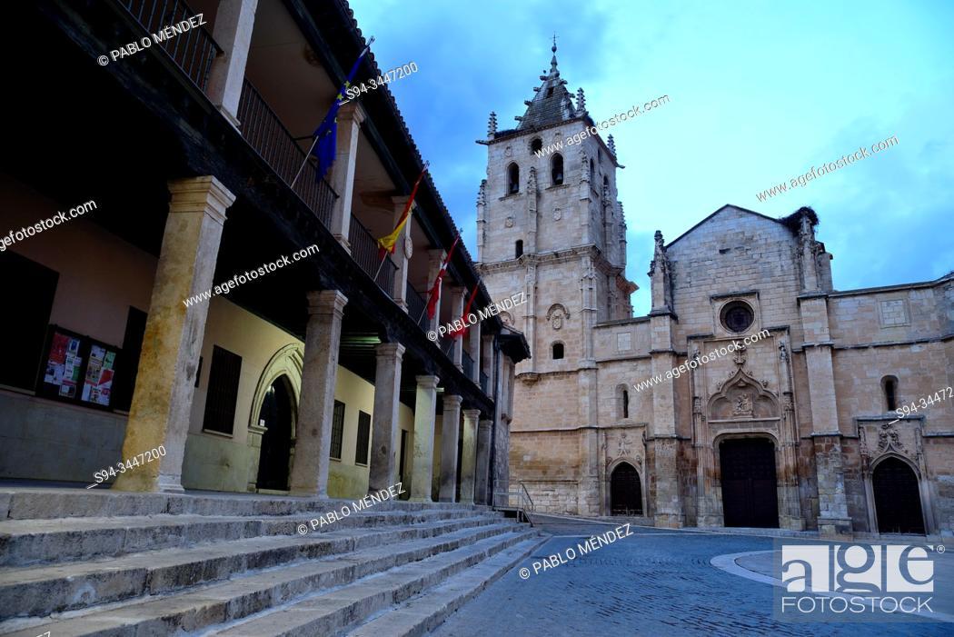 Imagen: Church of Santa Maria Magdalena in the Main square of Torrelaguna, Madrid, Spain.