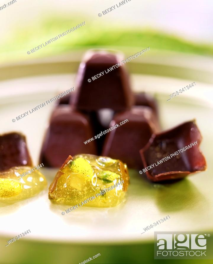 Stock Photo: Bombon de gardenia / Gardenia bonbon.