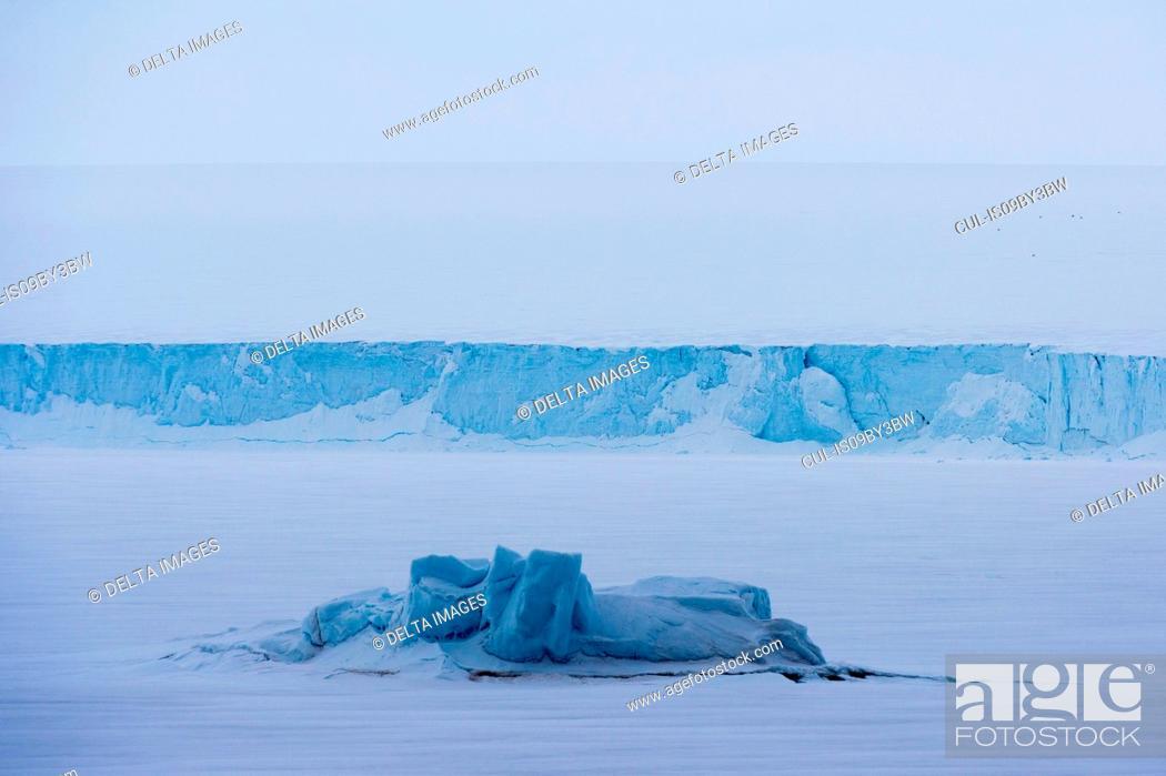 Stock Photo: Snow covered view of polar ice cap, Austfonna Nordaustlandet, Svalbard, Norway.