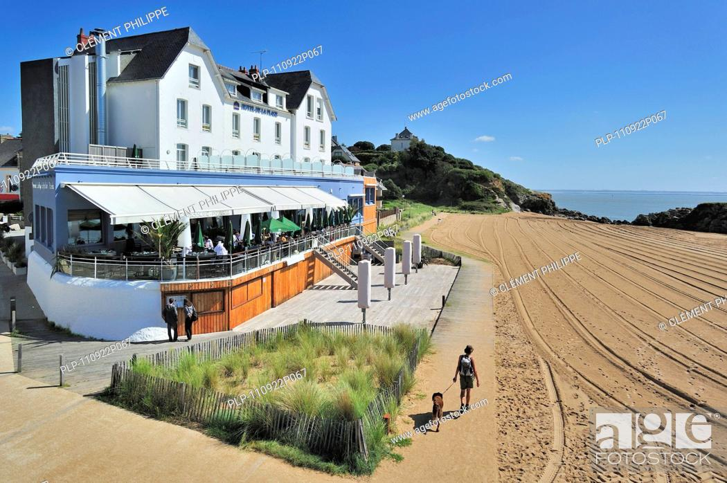 Hotel De La Plage Featuring In The Film Les Vacances De Monsieur Hulot By The French Filmmaker Stock Photo Picture And Rights Managed Image Pic Plp 110922p067 Agefotostock