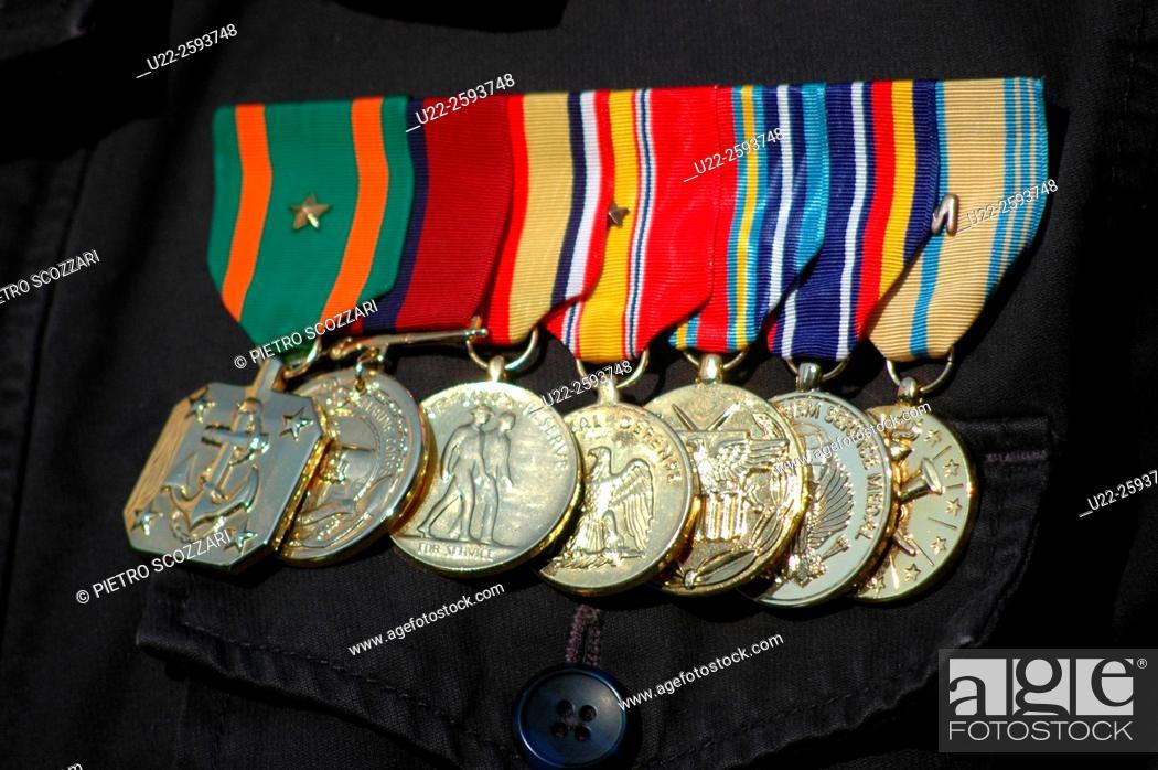 Stock Photo: USA, New York City. Army metal of Iraq vetat Veterans Day.
