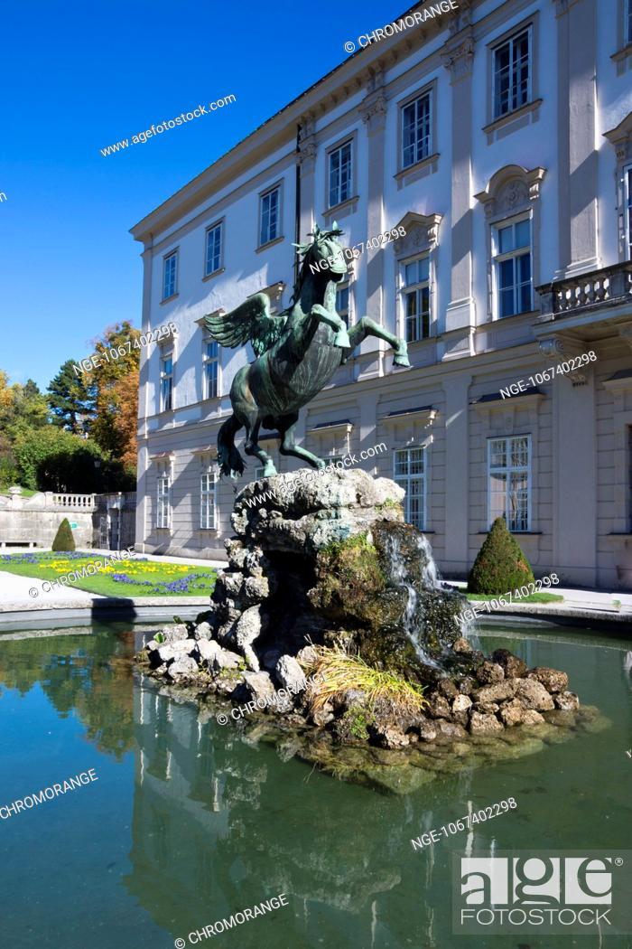 Imagen: Mirabell Palace and Pegasusbrunnen fountain in Mirabell Gardens, Salzburg, Salzburger Land, Austria, Europe.