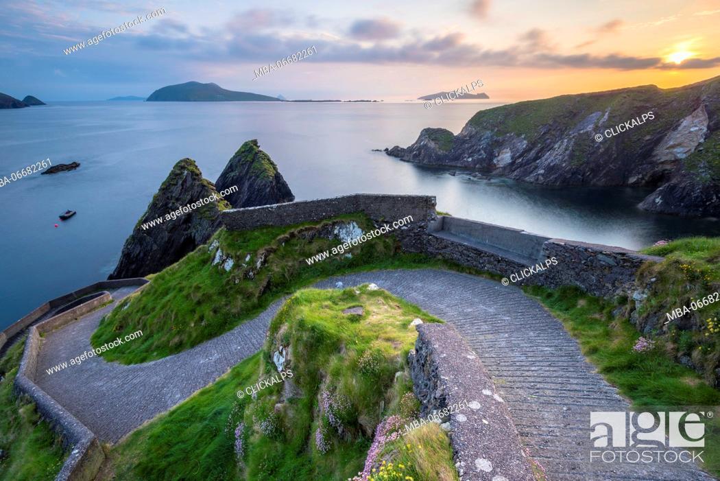 Stock Photo: Dunquin pier (Dún Chaoin), Dingle peninsula, County Kerry, Munster province, Ireland, Europe.