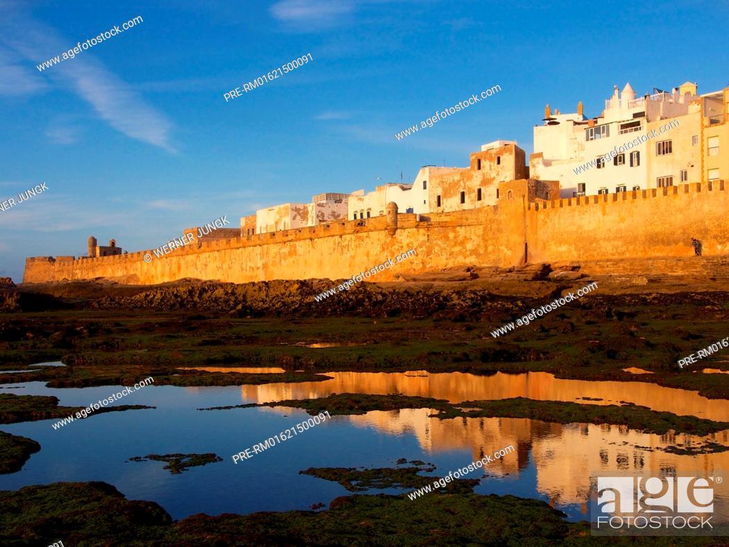 Stock Photo: City Wall of Medina, Essaouira, Morocco, Africa / Stadtmauer der Medina, Essaouira, Marokko, Afrika.