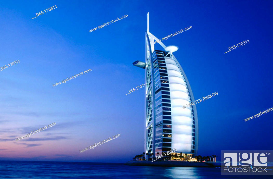 Photo de stock: Burj Al Arab hotel. Dubai. UAE (United Arab Emirates).