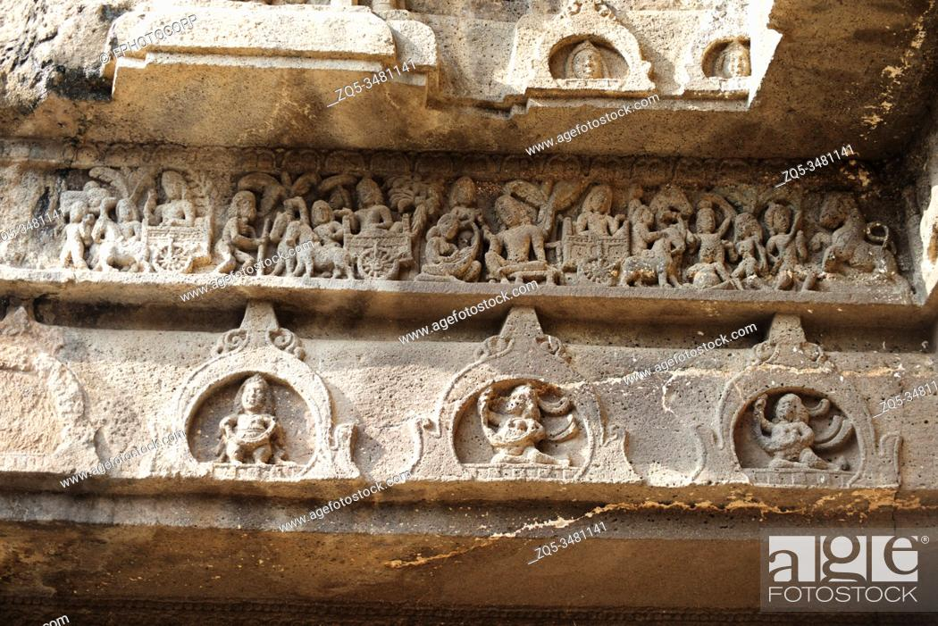 Photo de stock: Ellora Caves, Aurangabad, Maharashtra, India General-View of Cave No. 11 know as Teen Tal.