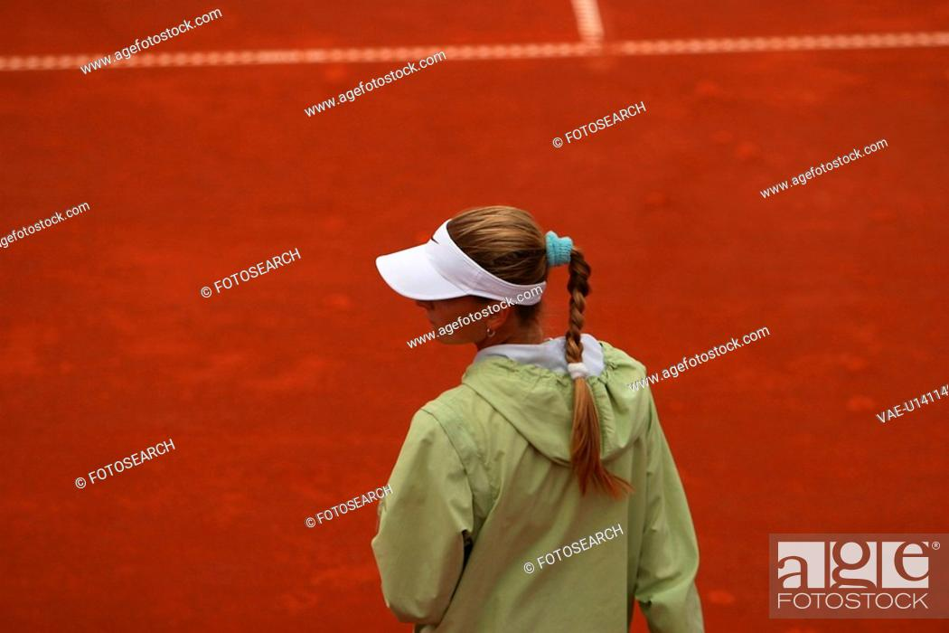 Stock Photo: girl, young, young girl, sporty, sports, tennis.