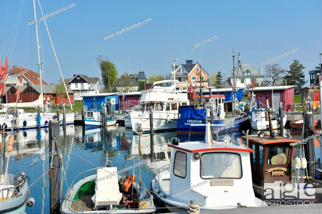 Stock Photo: Fishing boats in the harbor of Niendorf, Timmendorfer Strand, Bay of Luebeck, Schleswig-Holstein, Germany, Europe.
