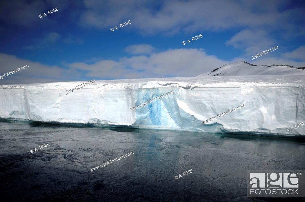 Imagen: Edge of the disintegrated iceshelf in the Larsen A area, Antarctica, Antarctic Peninsula.