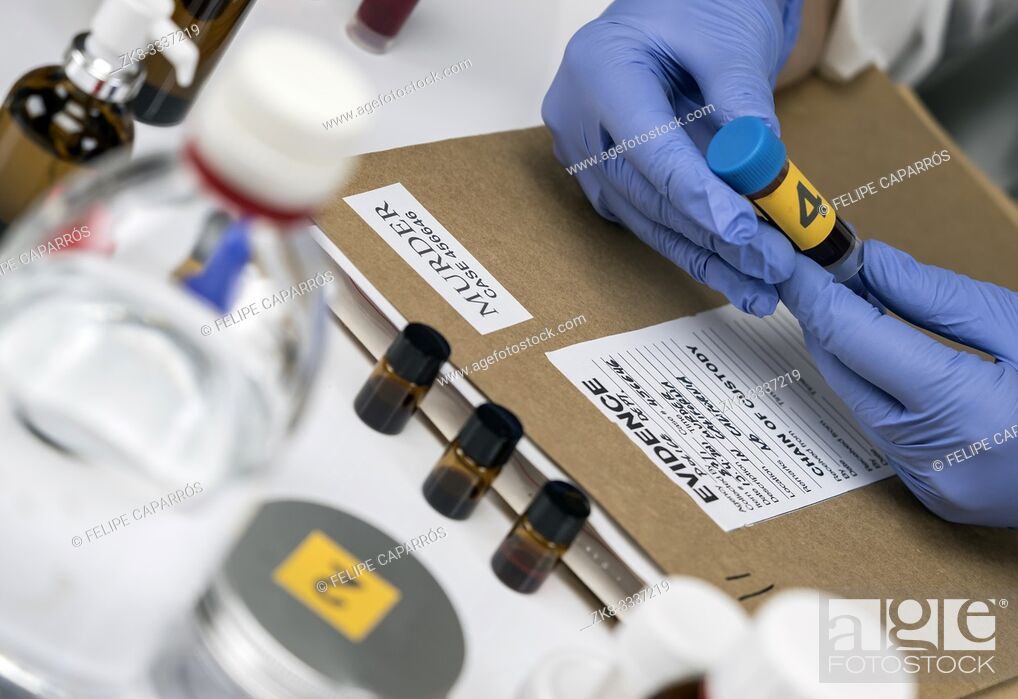 Photo de stock: Scientific Police takes blood sample at Laboratory forensic equipment, conceptual image.