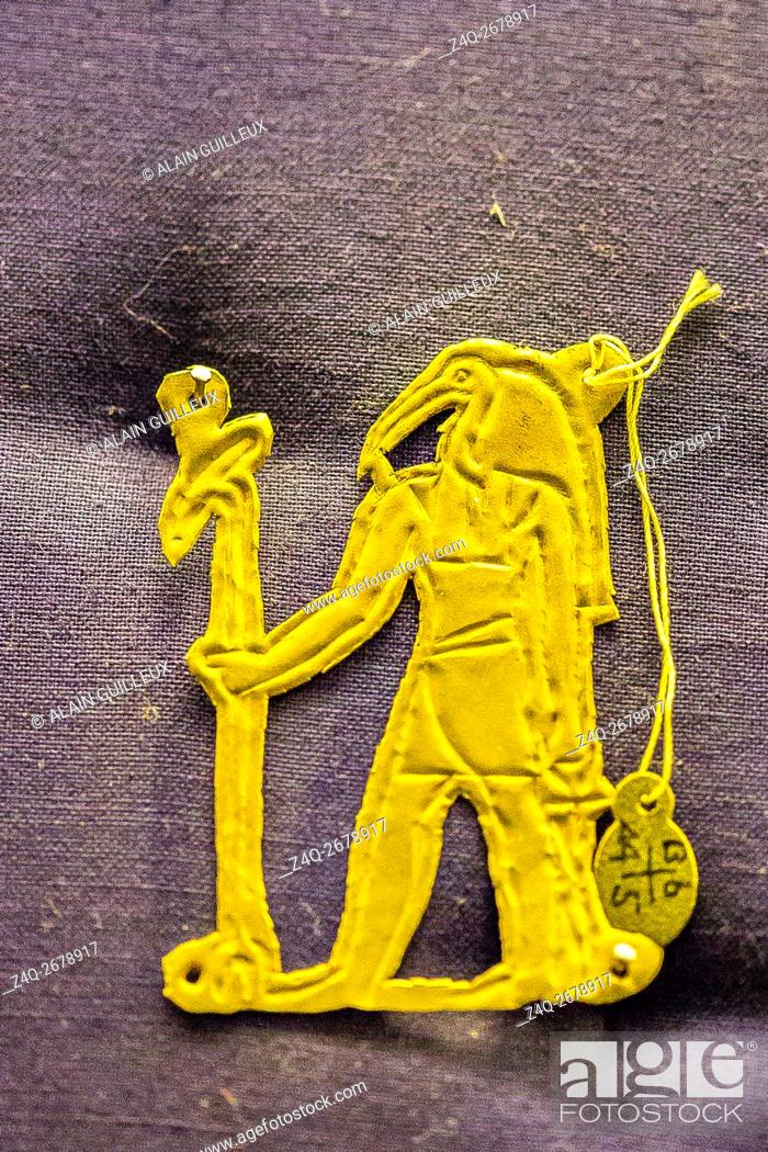 Stock Photo: Egypt, Cairo, Egyptian Museum, jewellery found in the royal necropolis of Tanis : Gold amulet of the god Thot, found on a skeleton, nearby the king Chechonq.