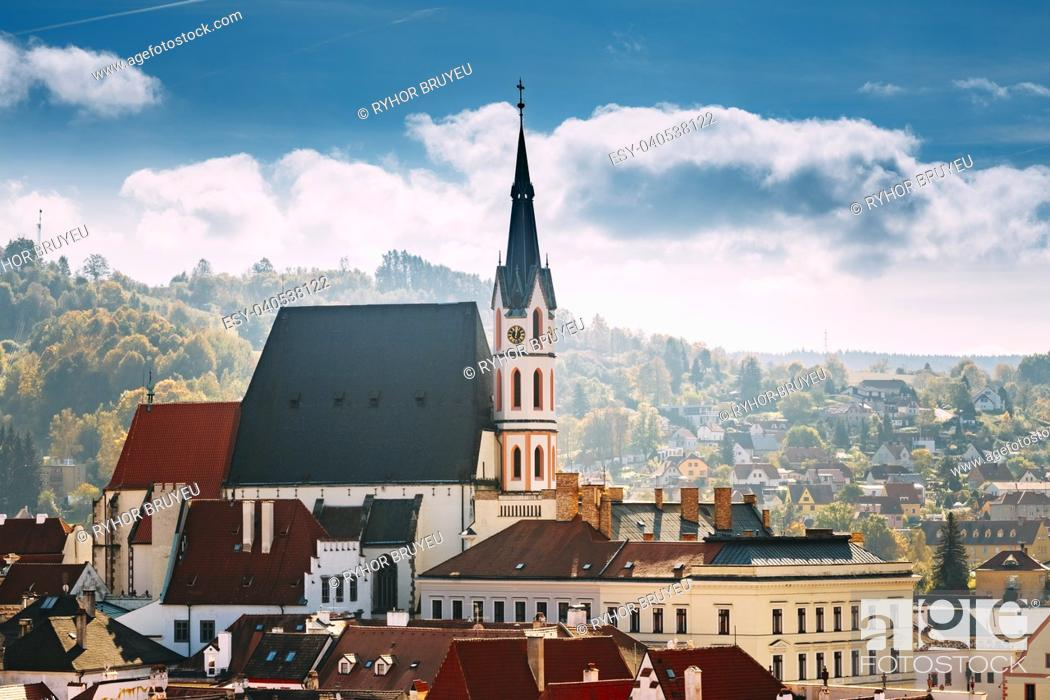 Stock Photo: St. Vitus Church and cityscape Cesky Krumlov, Czech republic. Sunny autumn day. UNESCO World Heritage Site.