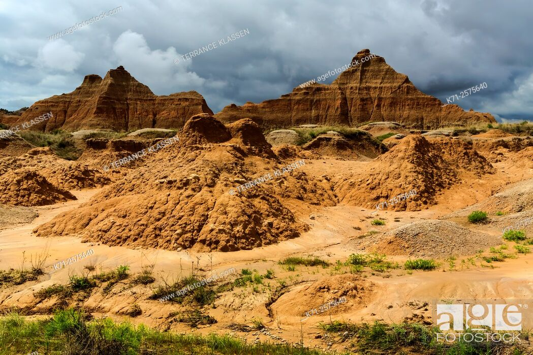 Imagen: A view of the rugged landscape in the Badlands National Park near Wall, South Dakota, USA.