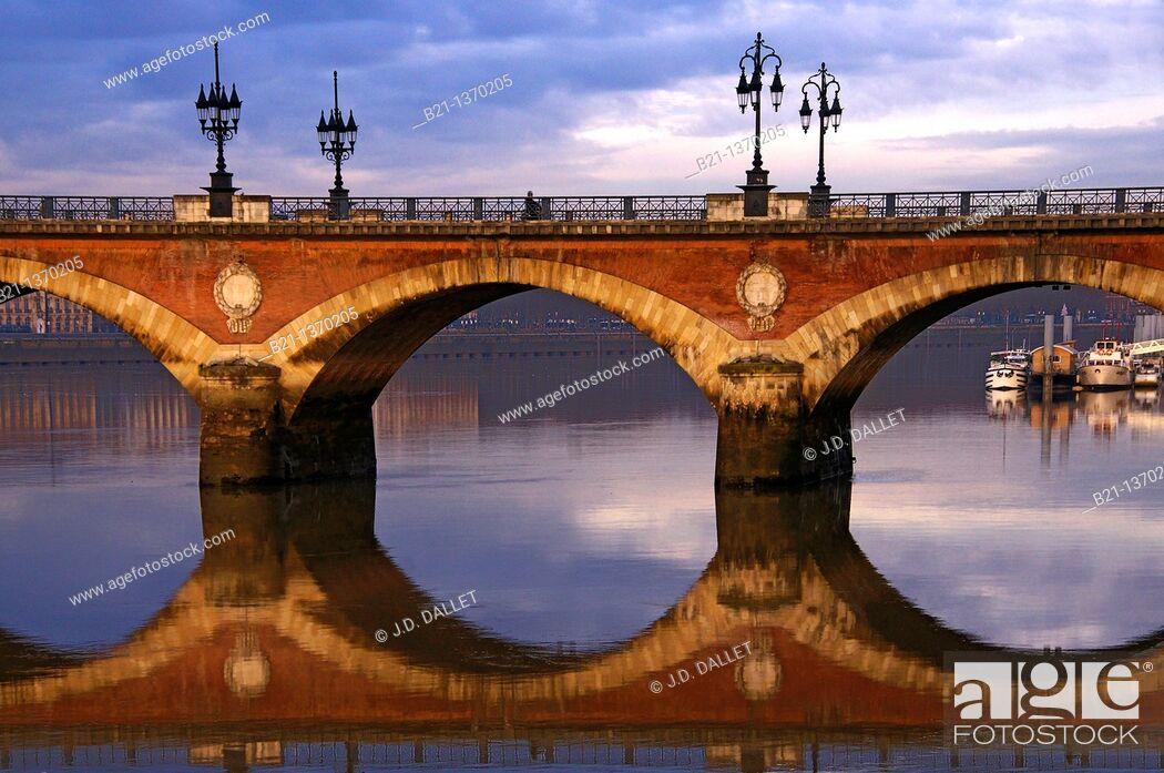 Stock Photo: Pont de Pierre (stone bridge) over the Garonne river at Bordeaux, Gironde, Aquitaine, France.