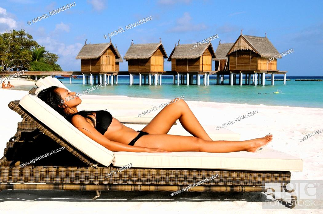 Stock Photo: Indian Ocean, Maldives, Alifu Dhaalu Atoll, Constance Moofushi Resort.