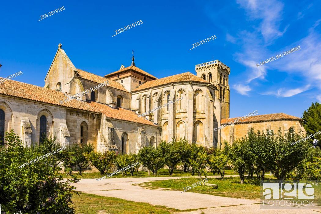 Stock Photo: Ambulatory and gardens of the monastery. The Abbey of Santa María la Real de Las Huelgas is a monastery of Cistercian nuns.