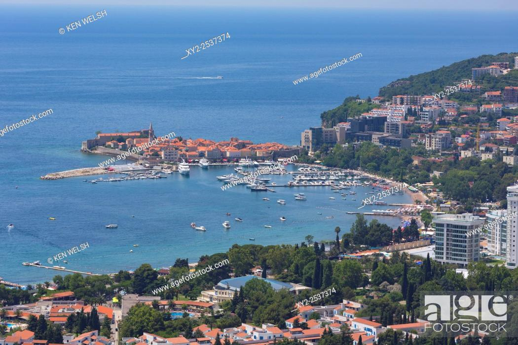 Imagen: Budva, Montenegro. Overall view of Old Town.
