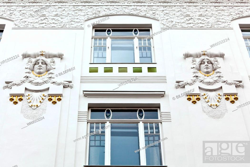 Imagen: A beautifully renovated art nouveau building.Renovation of old town houses.