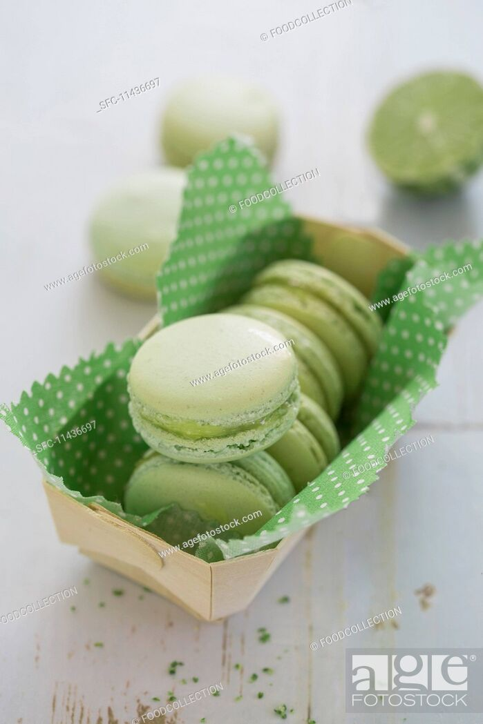 Stock Photo: Green lime macaroons with lemon curd.