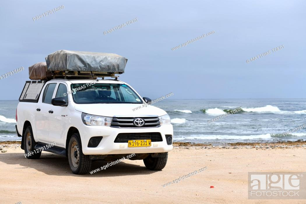 Stock Photo: Equipped off-road vehicle on the Atlantic coast near Swakopmund, taken on 02.03.2019. Photo: Matthias Toedt / dpa-Zentralbild / ZB / Picture Alliance | usage.