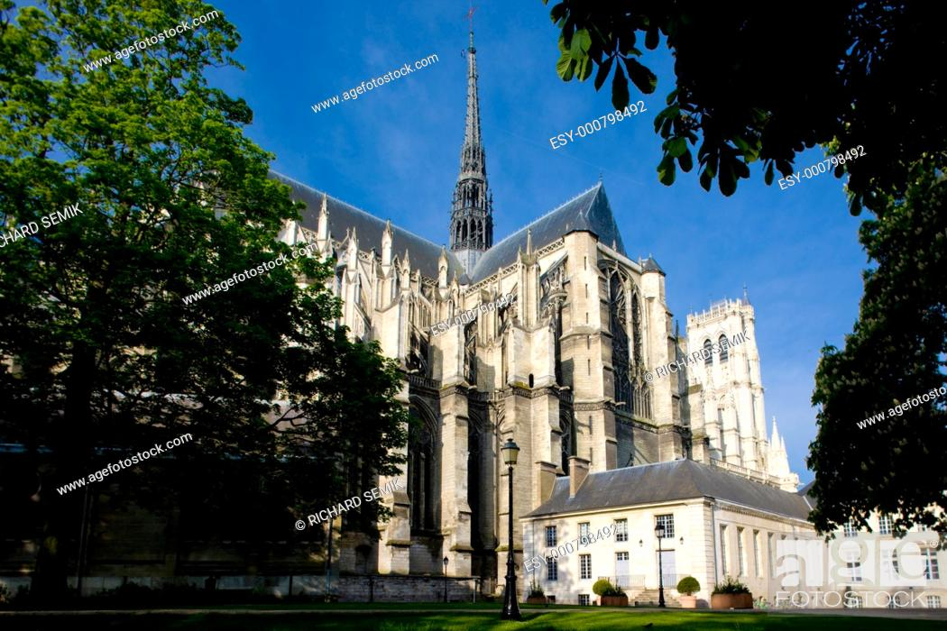Stock Photo: Cathedral Notre Dame, Amiens, Picardy, France.