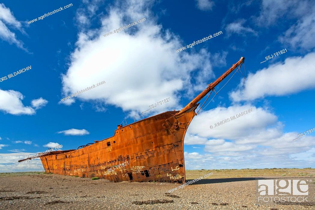 Get stuck beach Stock Photos and Images | age fotostock