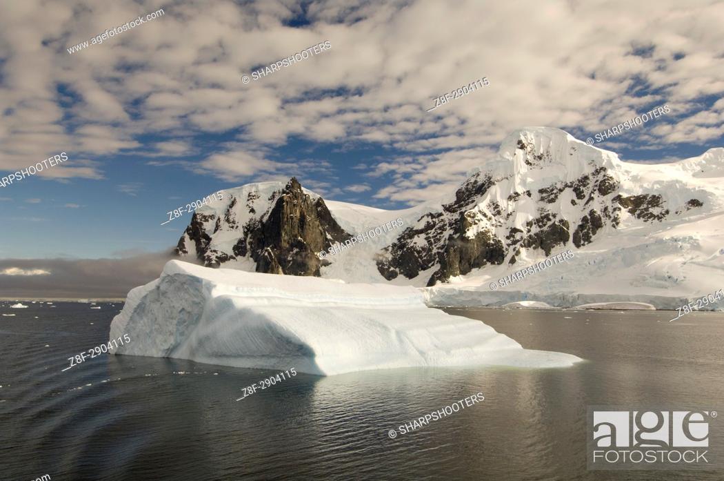 Imagen: Antarctica, Antarctic Peninsula, Gerlache strait.