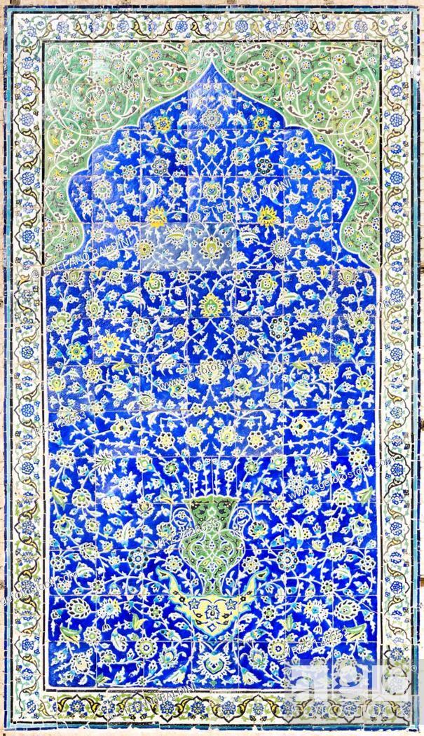 Imagen: Tilework at Masjed-e Sheik Lotfollah, Sheik Lotfollah mosque, Esfahan, Iran.