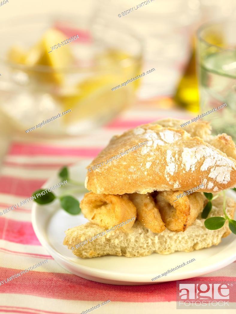 Photo de stock: mini de calamares / mini-sandwich of squid.