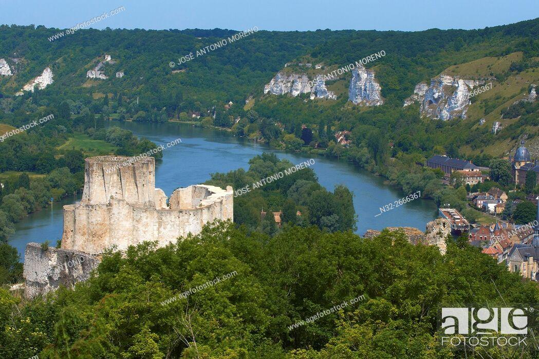 Stock Photo: Meander of Seine river, Les Andelys, Seine river, Galliard Castle, Château-Gaillard, Seine valley, Normandy, France.